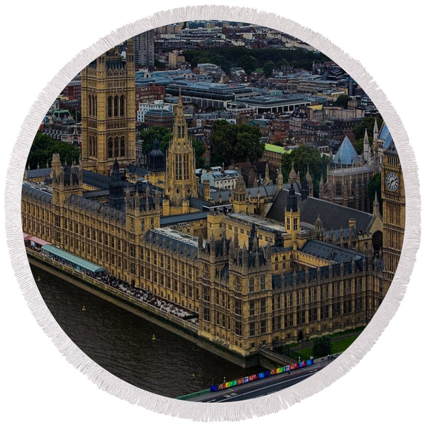 Houses Round Beach Towel featuring the photograph Parliament by Chris Lord
