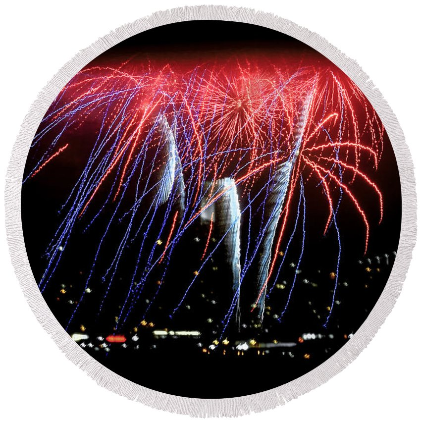 Fireworks Round Beach Towel featuring the photograph Patriotic Fireworks S F Bay by Brian Tada