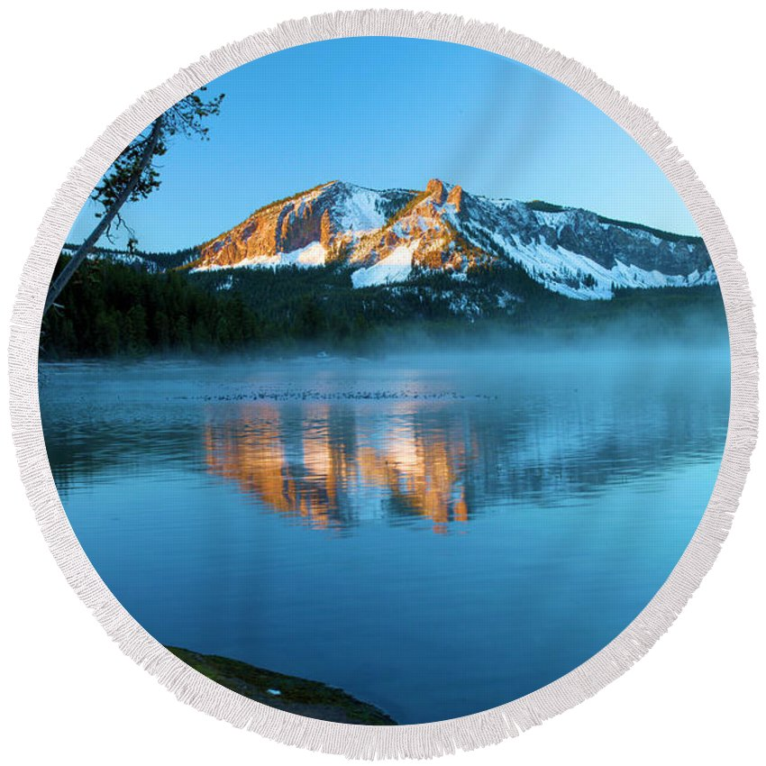 Paulina Peak Round Beach Towel featuring the photograph Paulina Peak In Paulina Lake by Adam Jewell