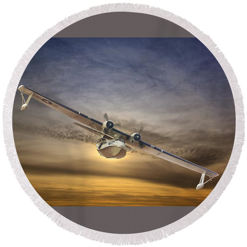 Pby Round Beach Towel featuring the photograph Pby Catalina Soars by Rob Lester