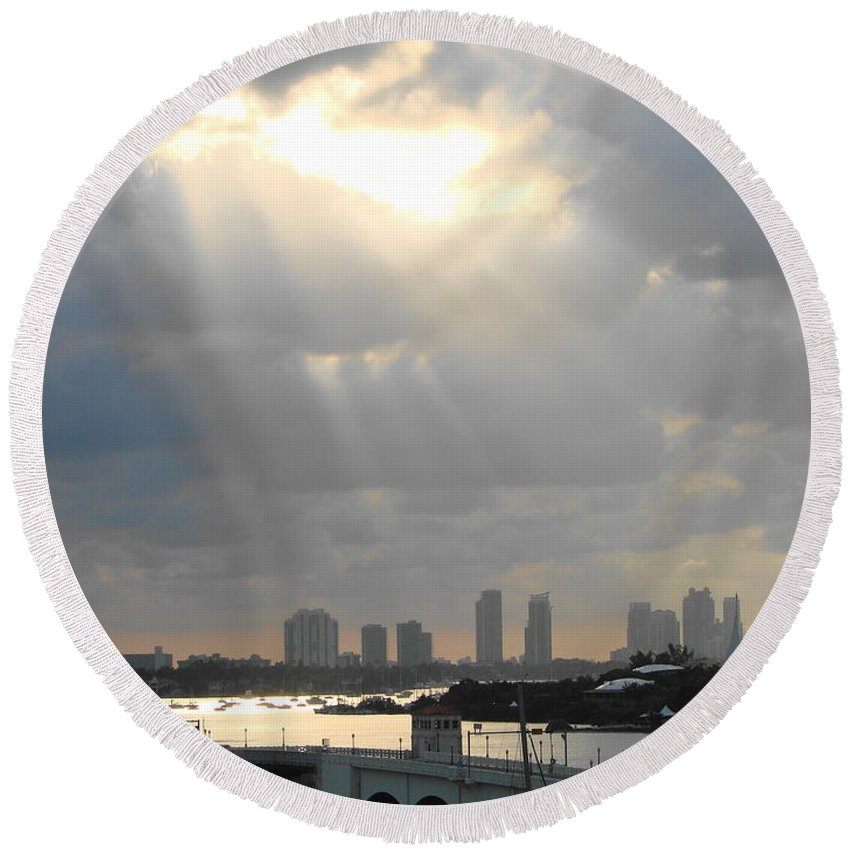 Miami Round Beach Towel featuring the photograph Peaceful Rays Of Sunshine by Margaret Bobb