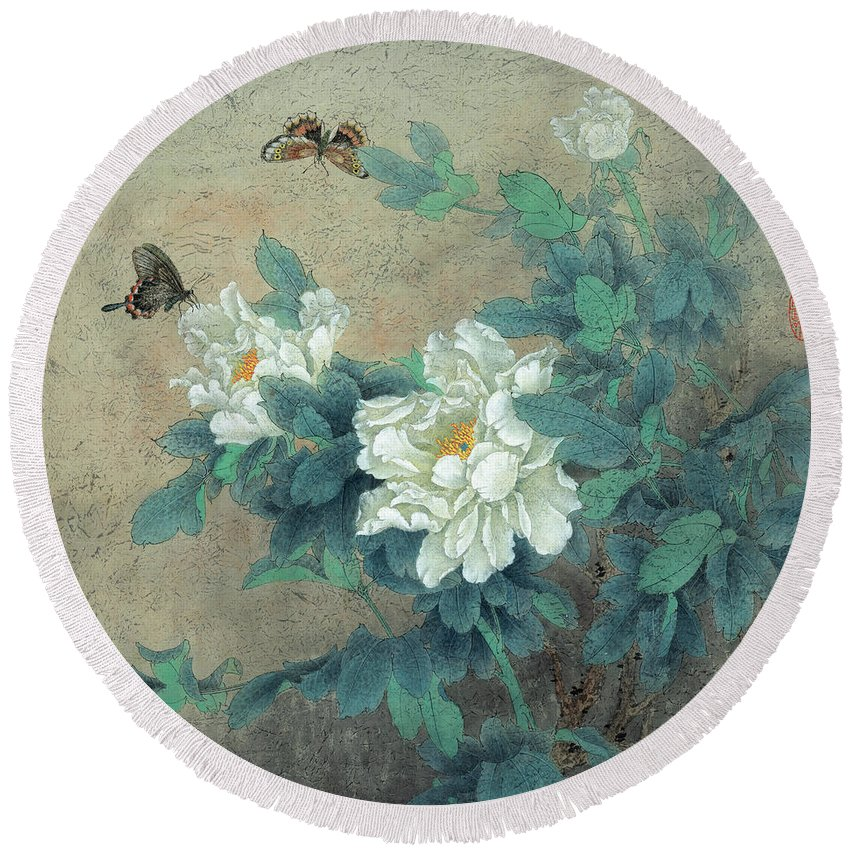 Peony Butterfly Round Beach Towel featuring the painting Peony Butterfly by Dong Xiyuan