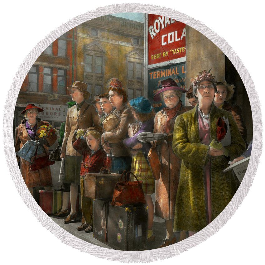 Indianapolis In Round Beach Towel featuring the photograph People - People Waiting For The Bus - 1943 by Mike Savad