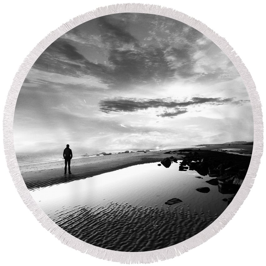 B&w Round Beach Towel featuring the photograph Per Sempre by Jacky Gerritsen