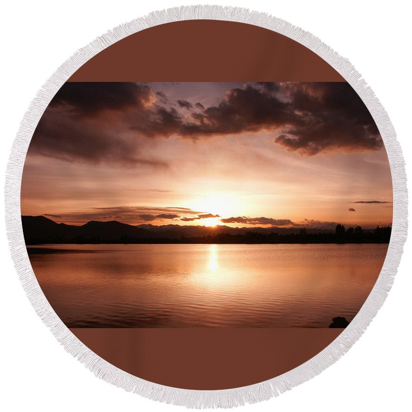 Perfect Round Beach Towel featuring the photograph Perfect Sunset by Marilyn Hunt