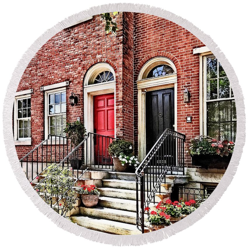 Philadelphia Round Beach Towel featuring the photograph Philadelphia Pa - Townhouse With Red Geraniums by Susan Savad