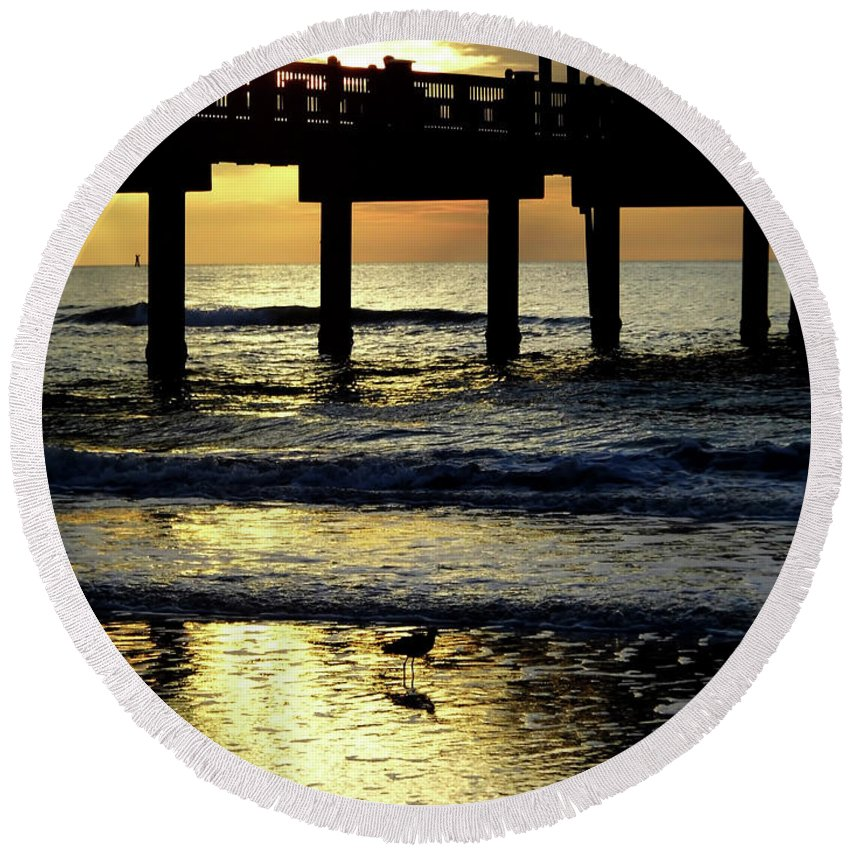 Sunset Round Beach Towel featuring the photograph Pier Reflections by D Hackett