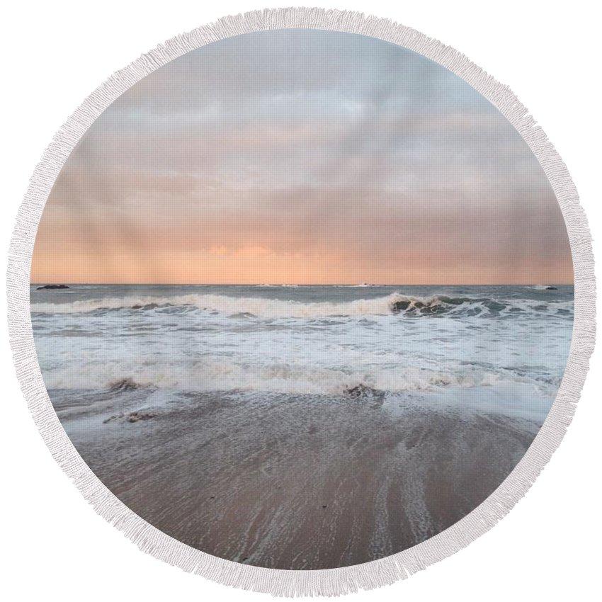 Sea Round Beach Towel featuring the photograph Pink Light by Scott Brennan