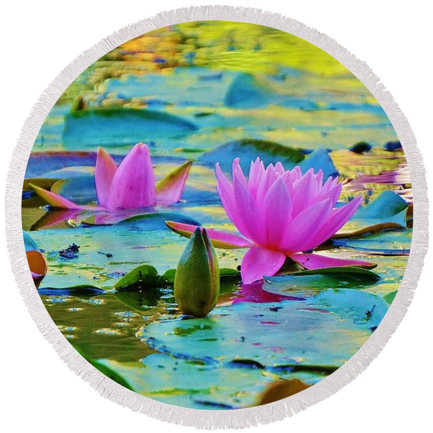 Pond Round Beach Towel featuring the photograph Pink Lily by Beth Deitrick