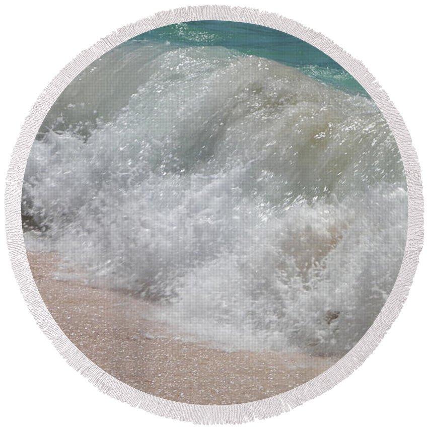Bermuda Round Beach Towel featuring the photograph Pink Sand Beaches by Gina Sullivan
