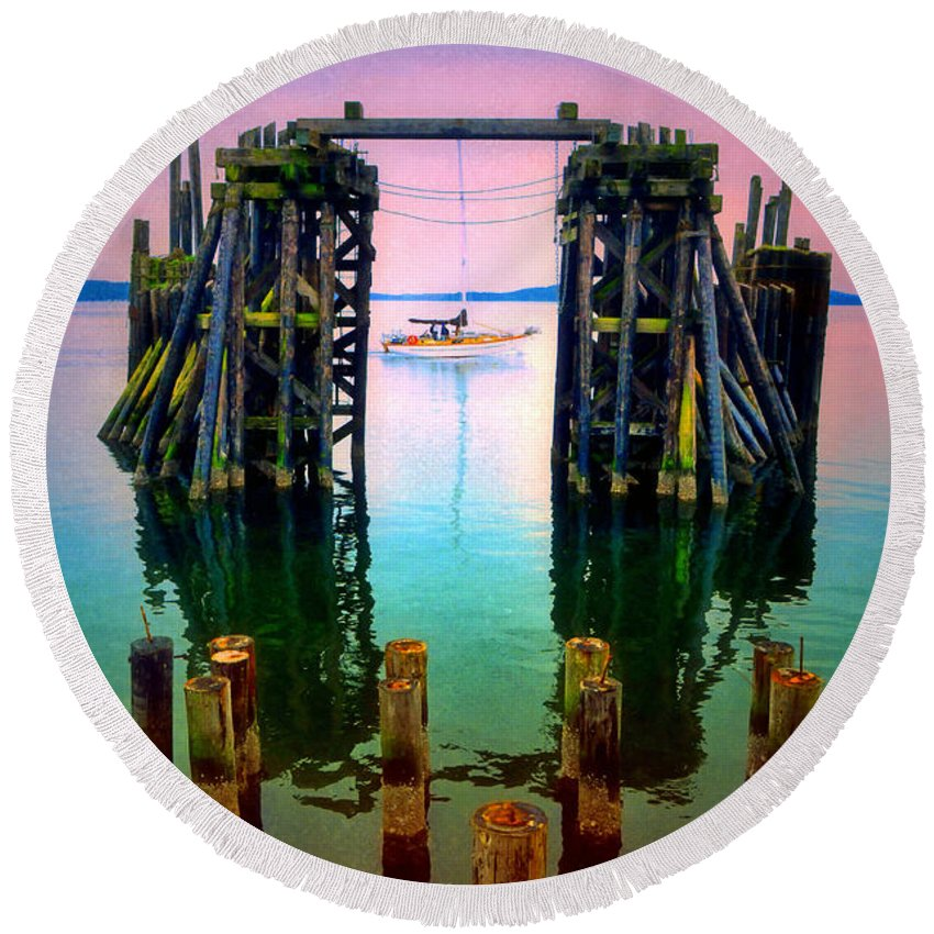 Pier Round Beach Towel featuring the photograph Pink Skies In Port Townsend by Tara Turner