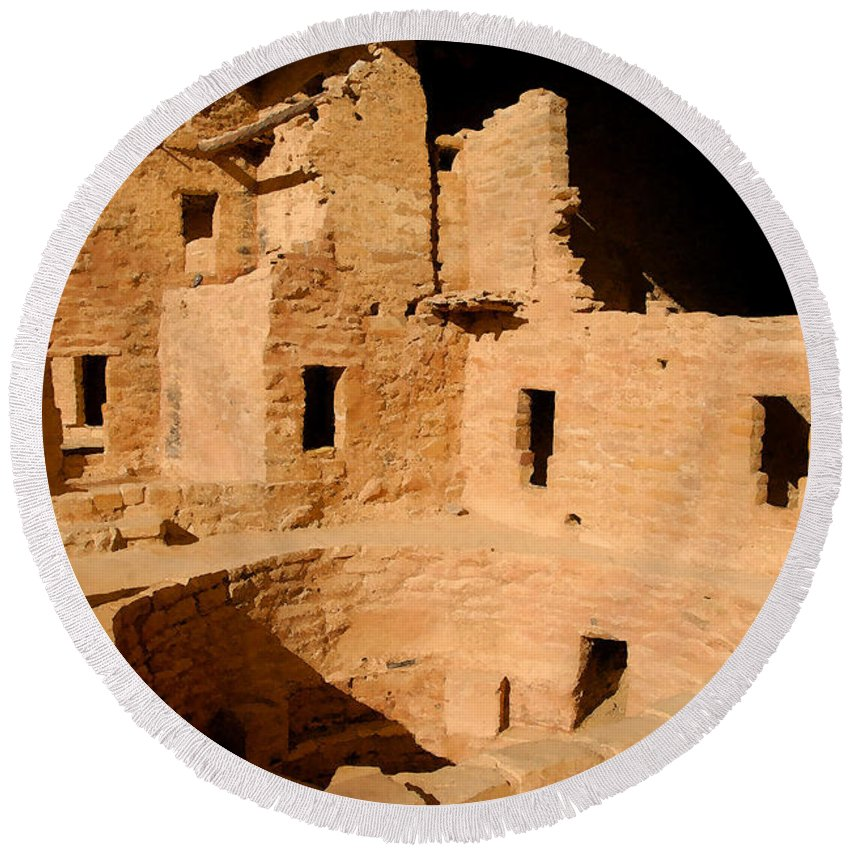 Mesa Verde National Park Round Beach Towel featuring the painting Place Of The Old Ones by David Lee Thompson