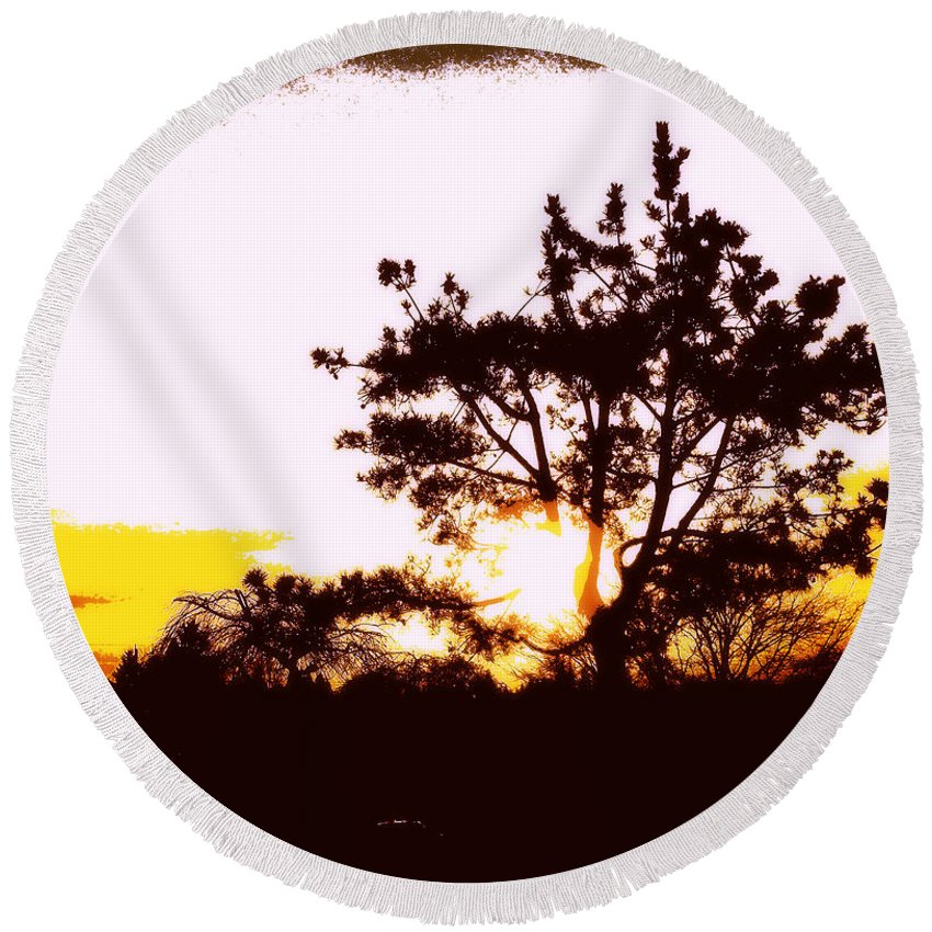 Pnw Round Beach Towel featuring the photograph Pnw Sunset by Eve Penman