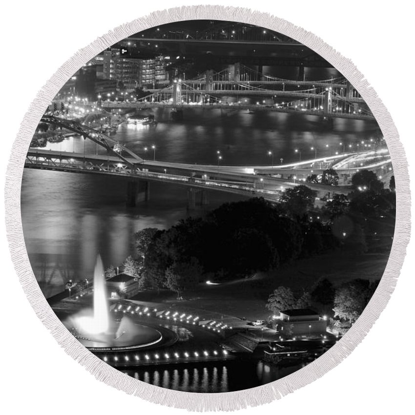 Pittsburgh Round Beach Towel featuring the photograph Point State Park In Black And White by Frozen in Time Fine Art Photography