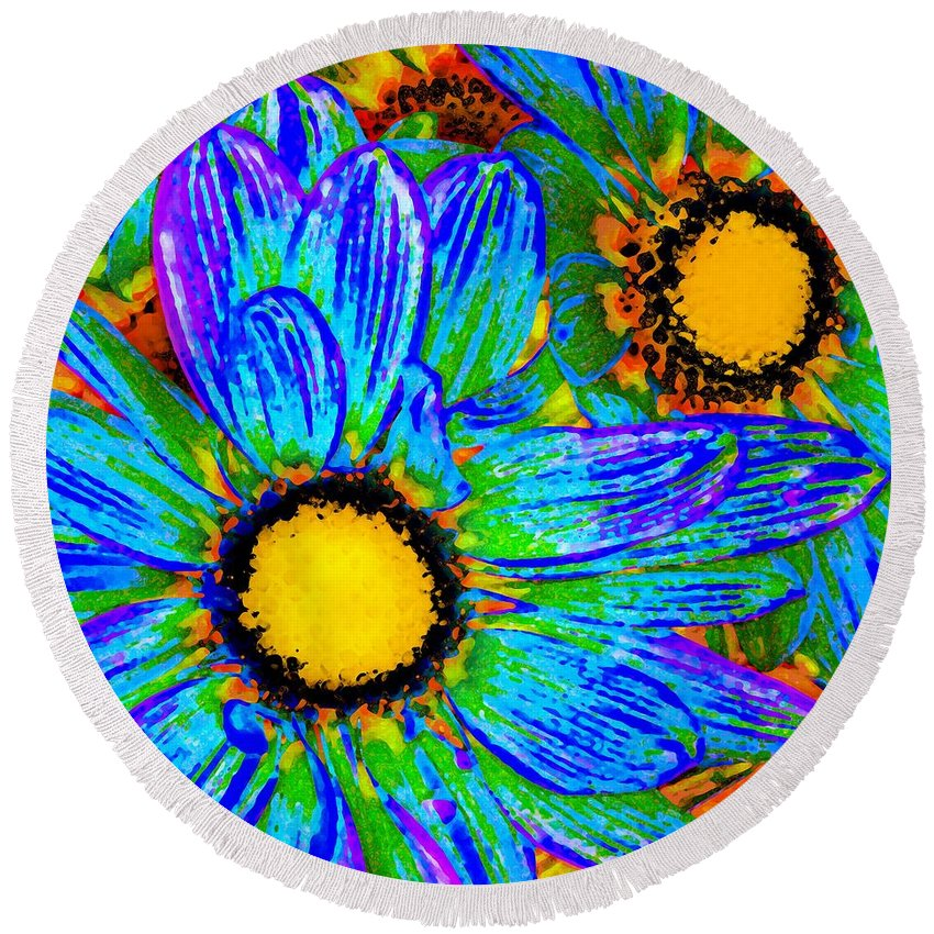 Pop Daisy Round Beach Towel featuring the painting Pop Art Daisies 4 by Amy Vangsgard