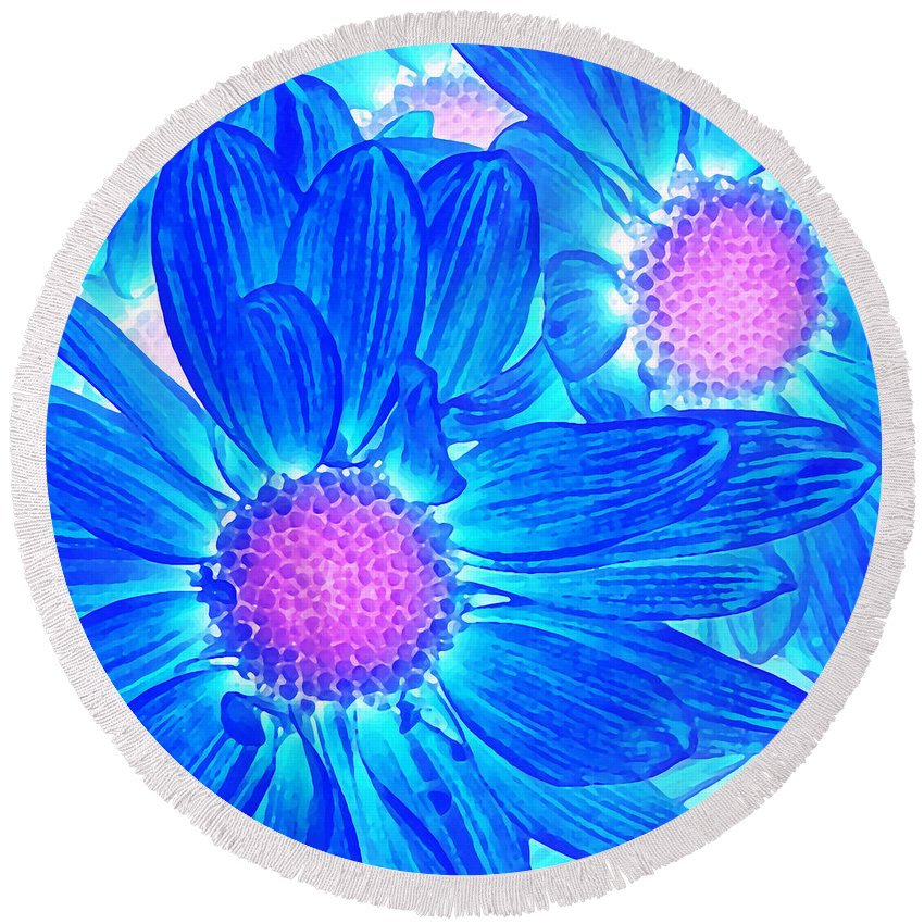 Pop Daisy Round Beach Towel featuring the painting Pop Art Daisies 6 by Amy Vangsgard