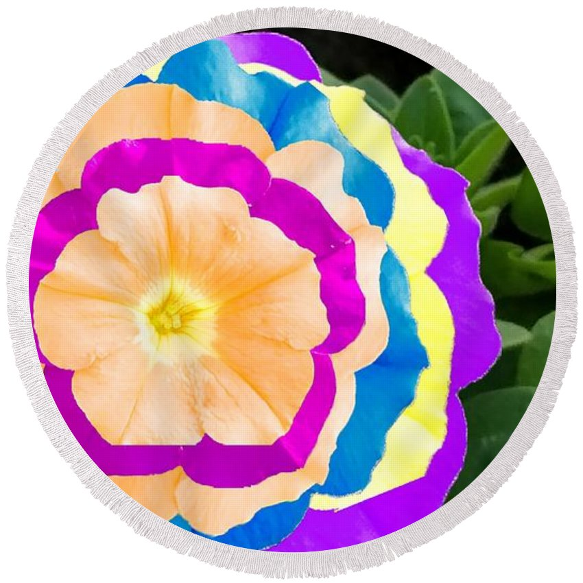 Round Beach Towel featuring the photograph Powerflower by Uther Pendraggin