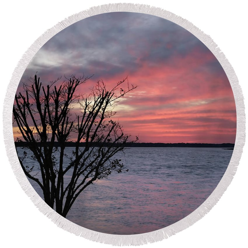 Sunset Round Beach Towel featuring the photograph Pretty In Pink by Phill Doherty