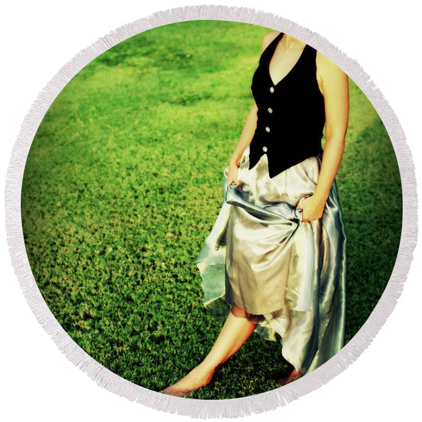 Woman Round Beach Towel featuring the photograph Princess Along The Grass by Charles Benavidez