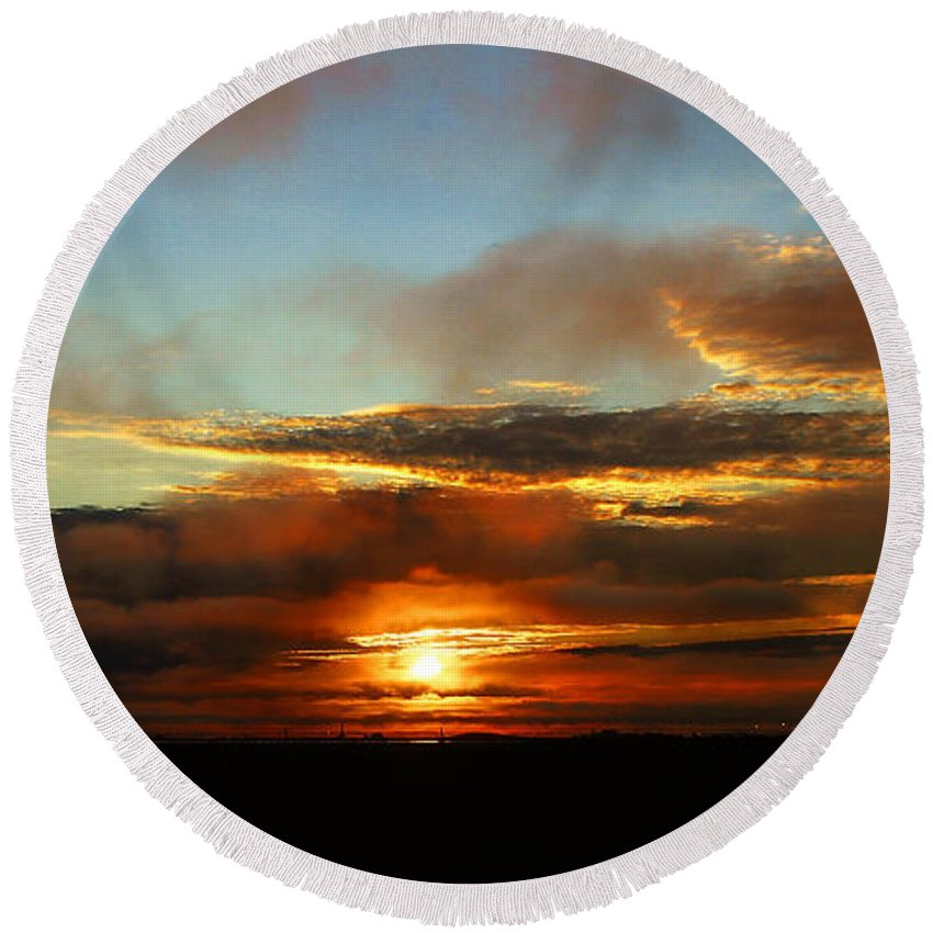 Sunset Round Beach Towel featuring the photograph Prudhoe Bay Sunset by Anthony Jones