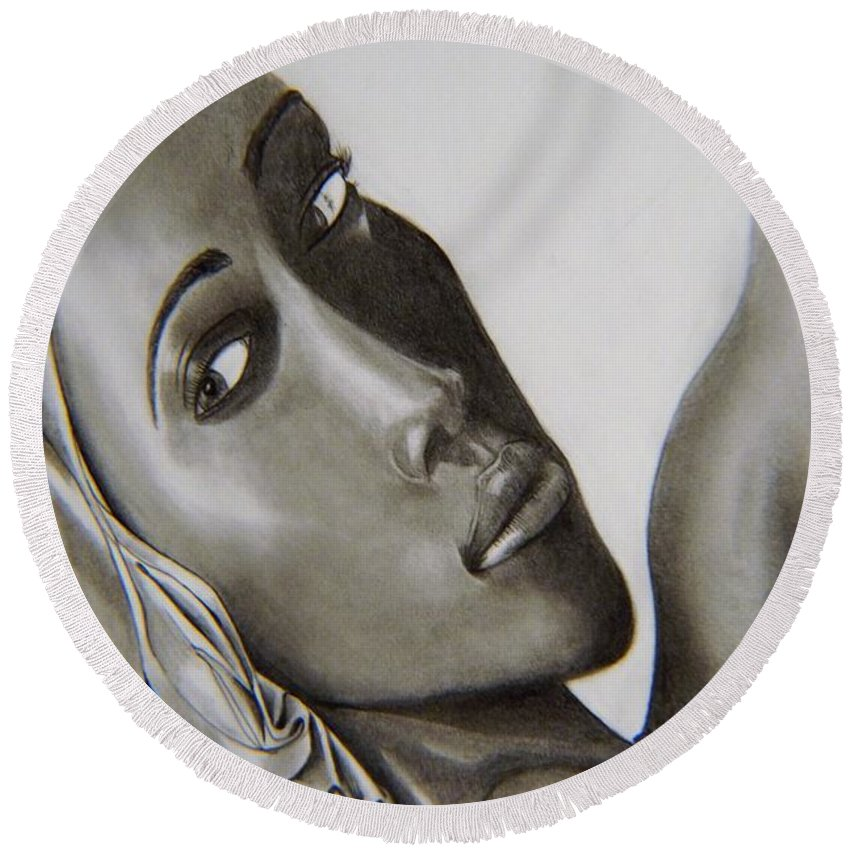 Queen Round Beach Towel featuring the photograph Queen by Kevin Burden