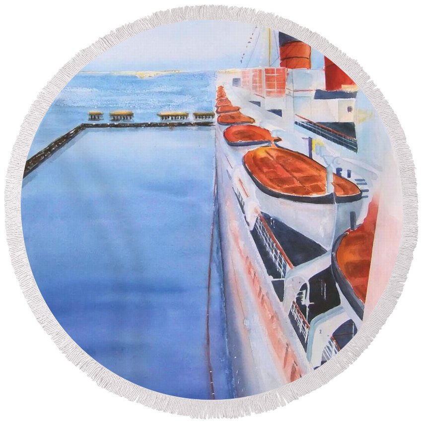 Queen Mary Round Beach Towel featuring the painting Queen Mary From The Bridge by Debbie Lewis