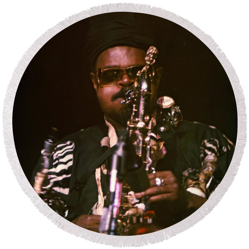 Rahsaan Roland Kirk Round Beach Towel featuring the photograph Rahsaan Roland Kirk 3 by Lee Santa
