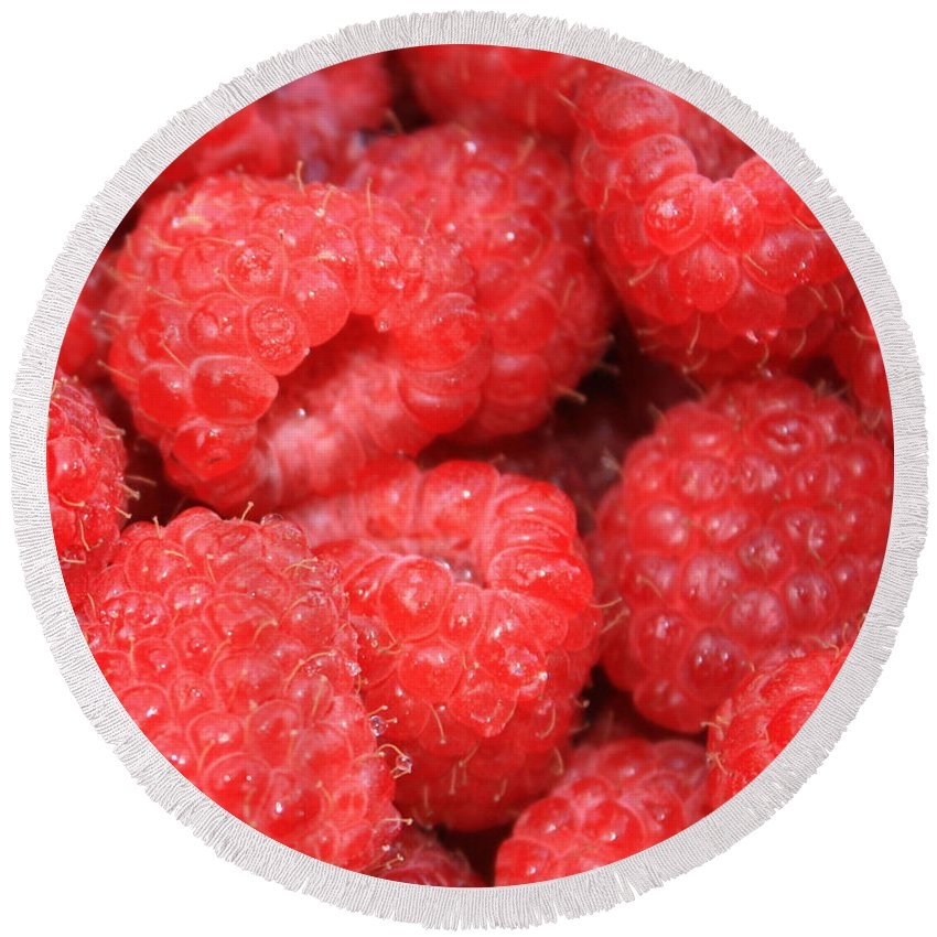 Food Round Beach Towel featuring the photograph Raspberries Close-up by Carol Groenen