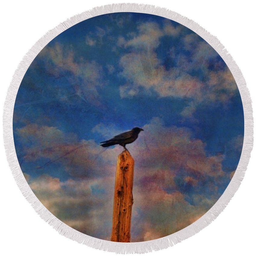 Birds Round Beach Towel featuring the photograph Raven Pole by Jan Amiss Photography