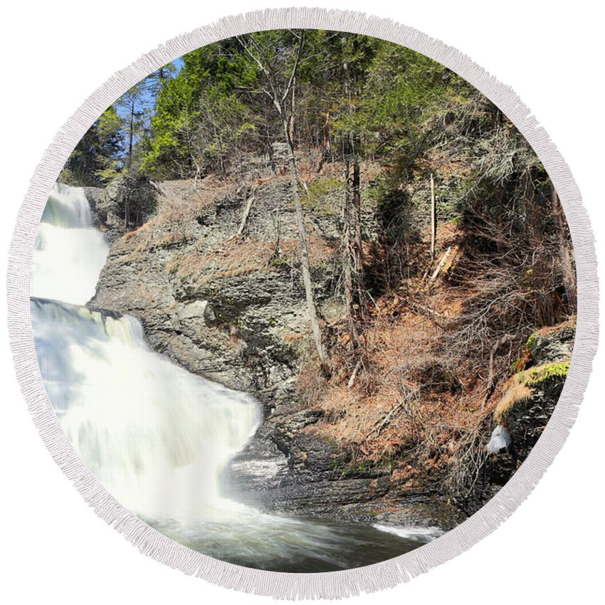 Water Round Beach Towel featuring the photograph Raymondskill Falls by Paul Fell