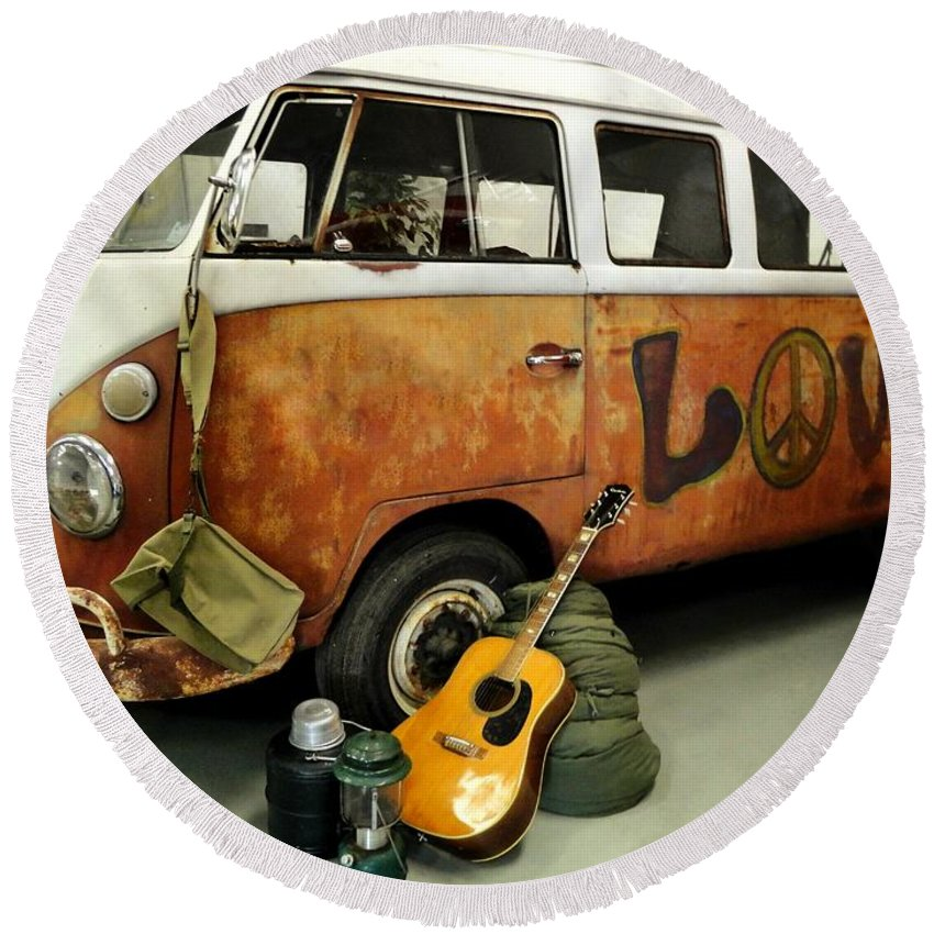 Old Rusty Van Round Beach Towel featuring the photograph Ready To Ride by Anne Sands