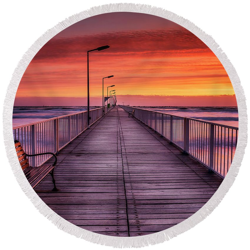 Sunrise Round Beach Towel featuring the photograph Mamaia's Gangway by Adrian Malanca