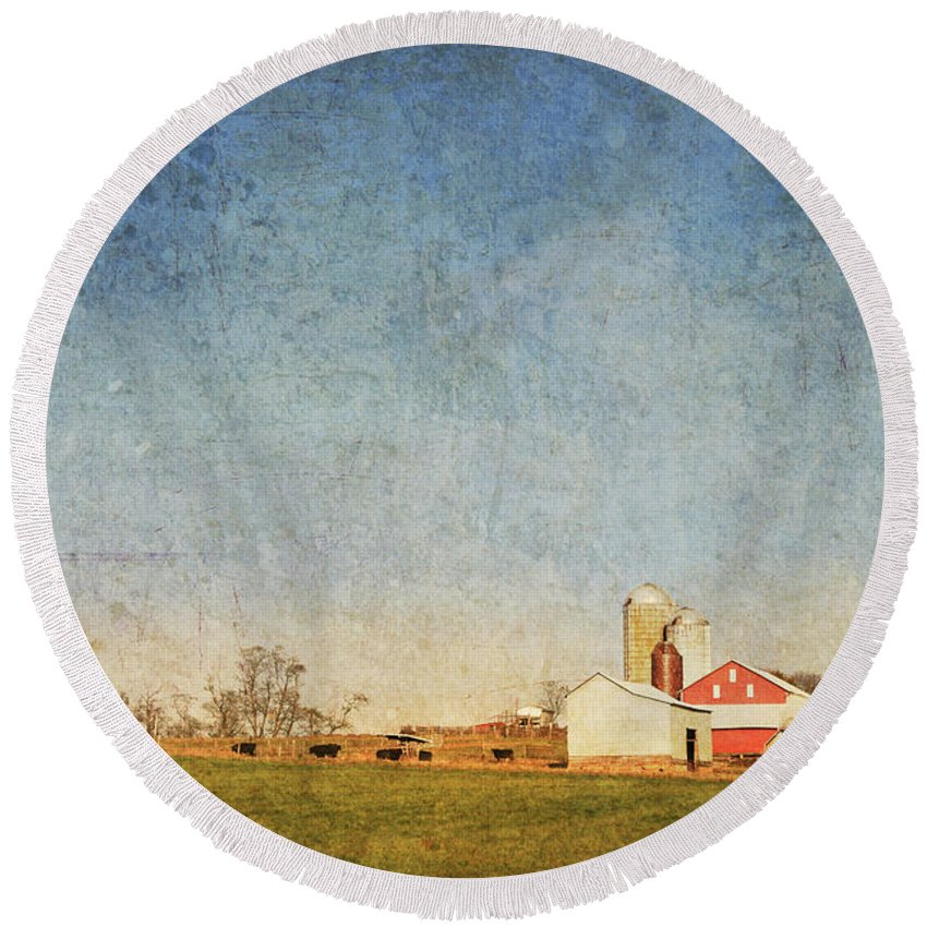 Barn Round Beach Towel featuring the photograph Red Barn by Guy Crittenden