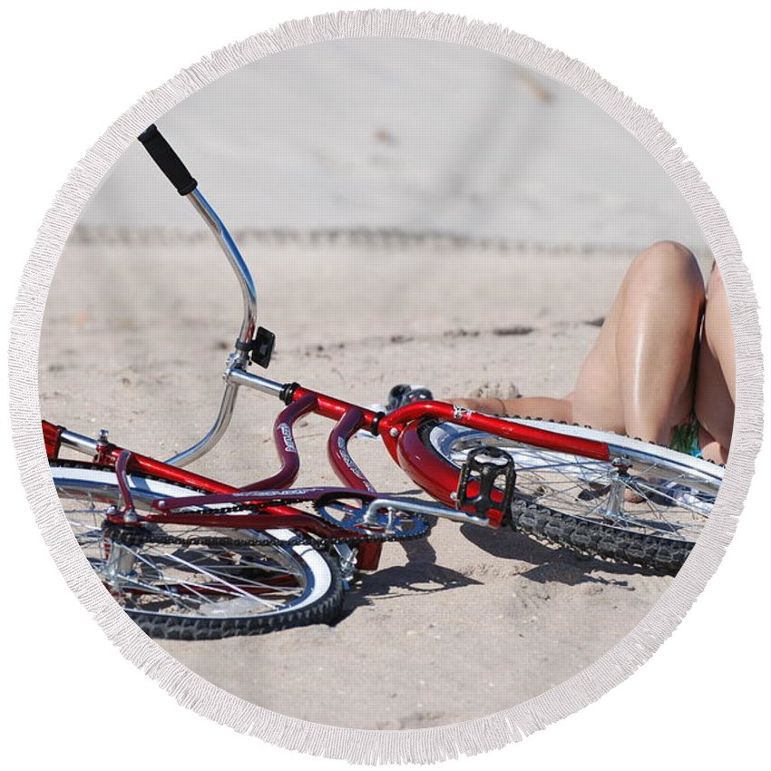 Red Round Beach Towel featuring the photograph Red Bike On The Beach by Rob Hans