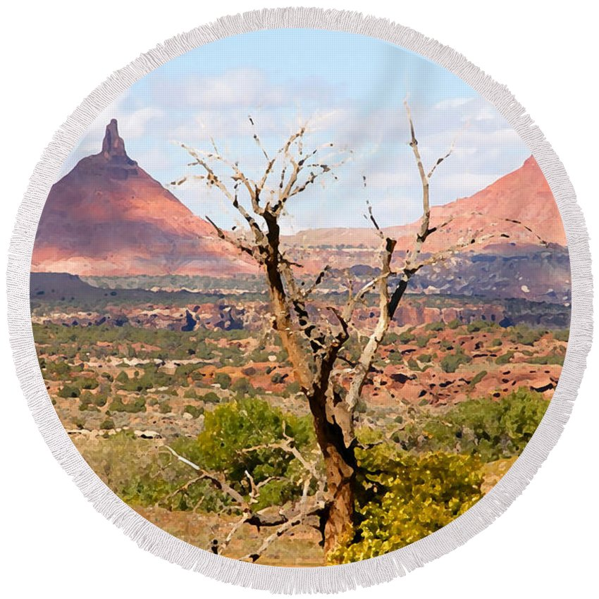 Buttes Round Beach Towel featuring the photograph Red Buttes by David Lee Thompson