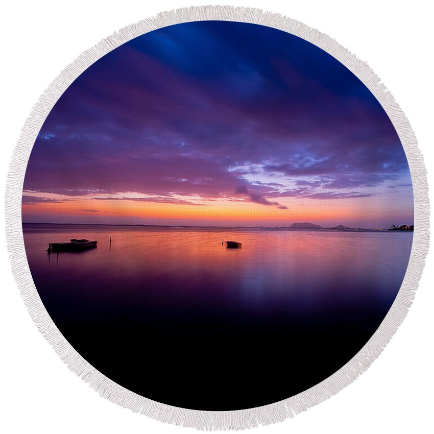 Sunrise Round Beach Towel featuring the photograph Red Dawn At Laenani Park by Kenway Kua