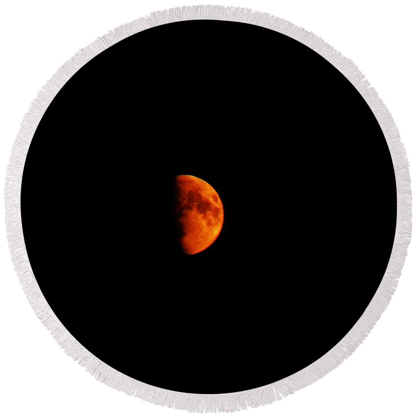 Red Moon Round Beach Towel featuring the photograph Red Moon by Lori Mahaffey
