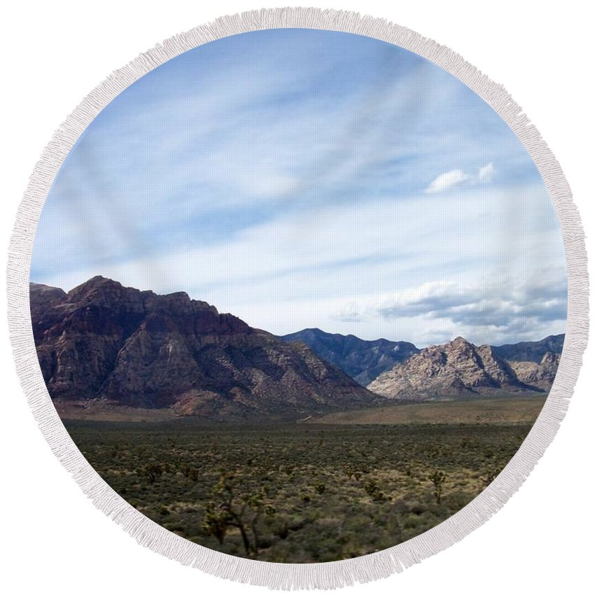 Red Rock Canyon Round Beach Towel featuring the photograph Red Rock Canyon 4 by Anita Burgermeister
