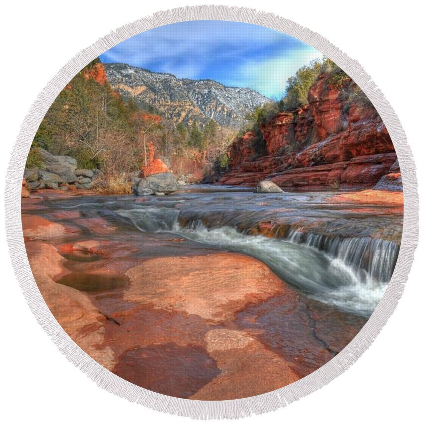 Red Rock Sedona Round Beach Towel featuring the photograph Red Rock Sedona by Kelly Wade