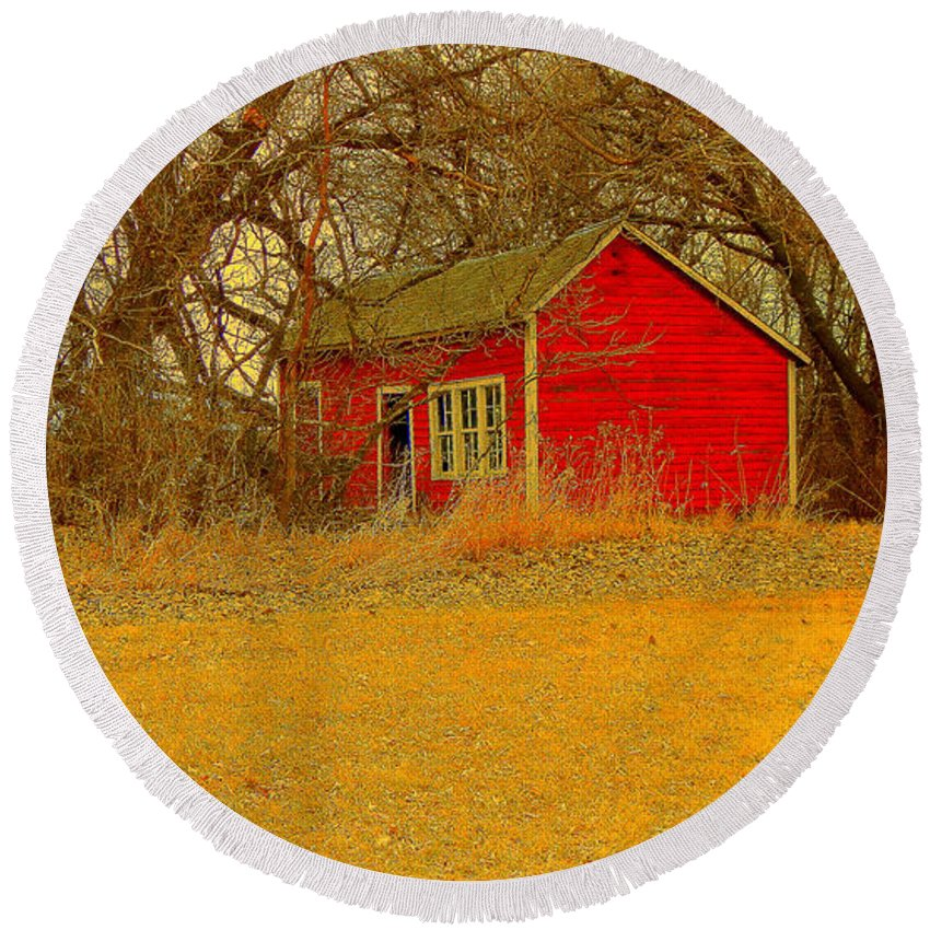 Farmyard Round Beach Towel featuring the photograph Red Shack by Curtis Tilleraas