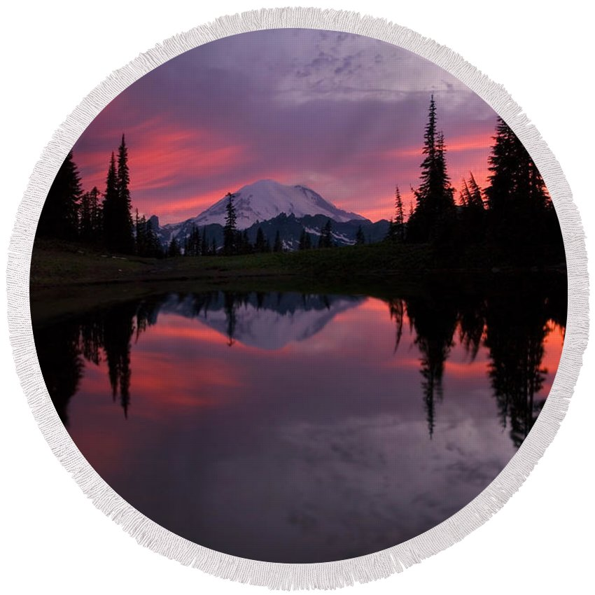Rainier Round Beach Towel featuring the photograph Red Sky At Night by Mike Dawson