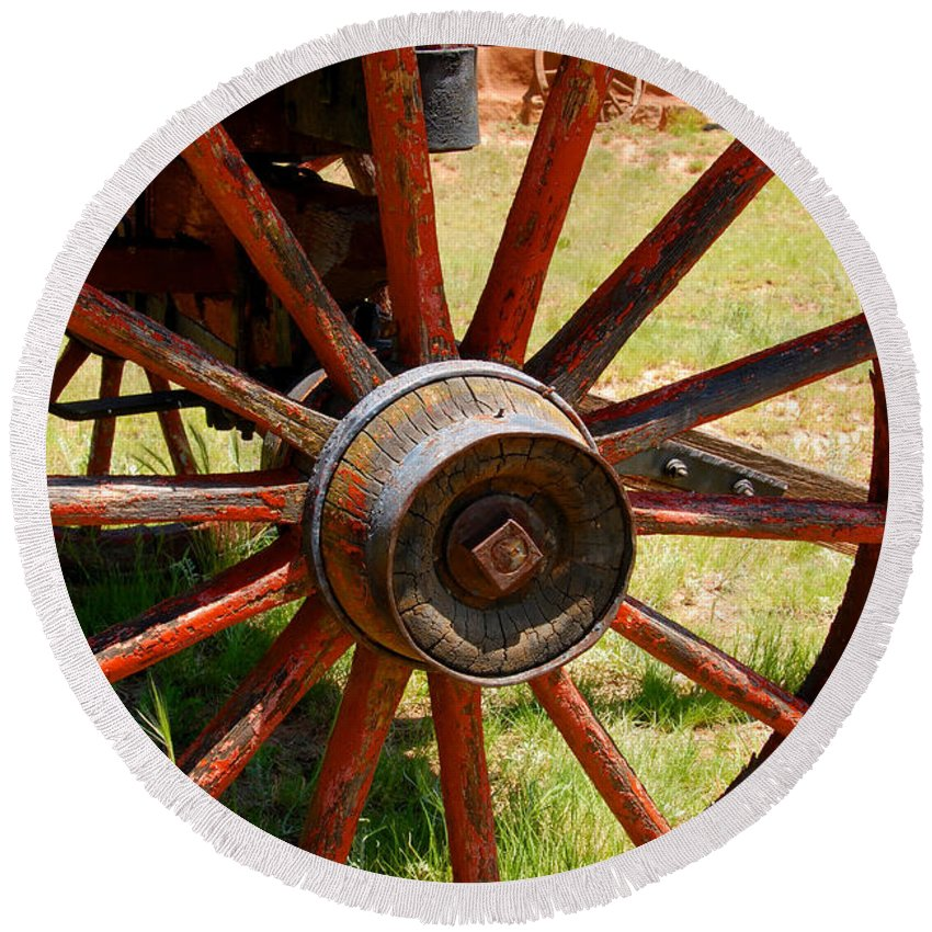 Wagon Round Beach Towel featuring the photograph Red Wheels by David Lee Thompson