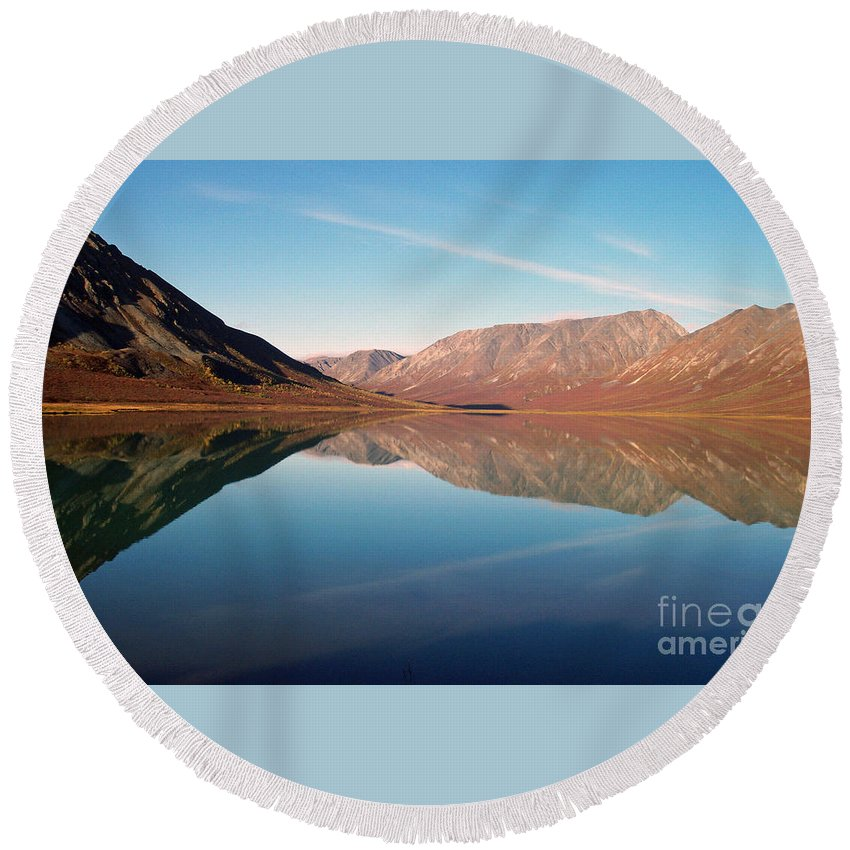 Lake Round Beach Towel featuring the photograph Mountains Reflected On A Beautiful Lake by Denise McAllister