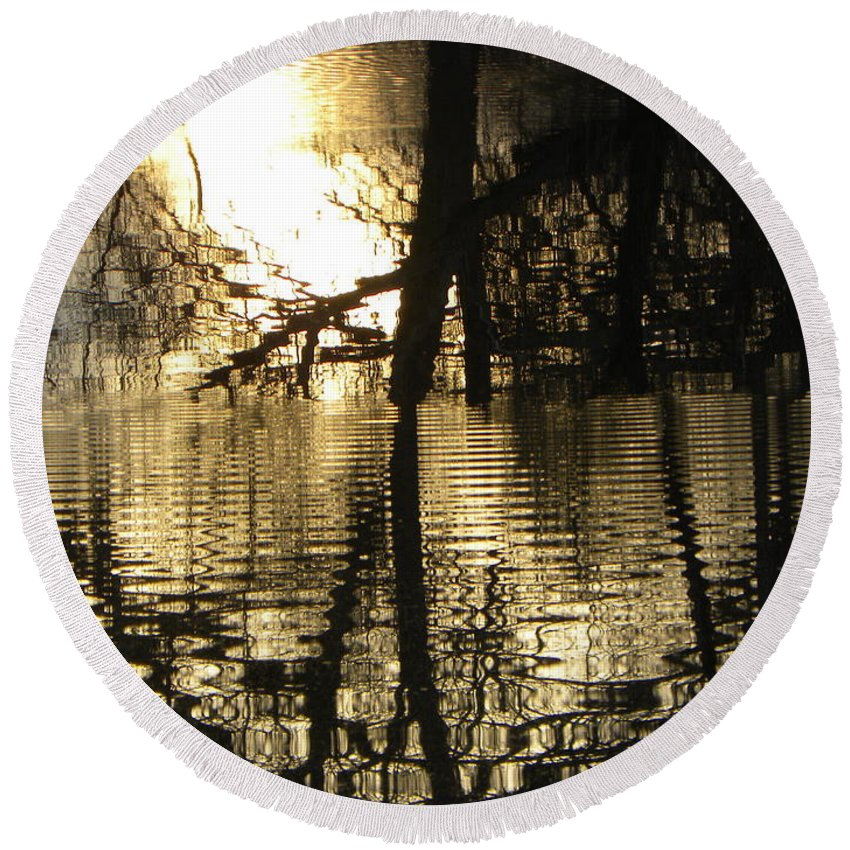 Pond Round Beach Towel featuring the photograph Reflections In The Pond by Belinda Sellari