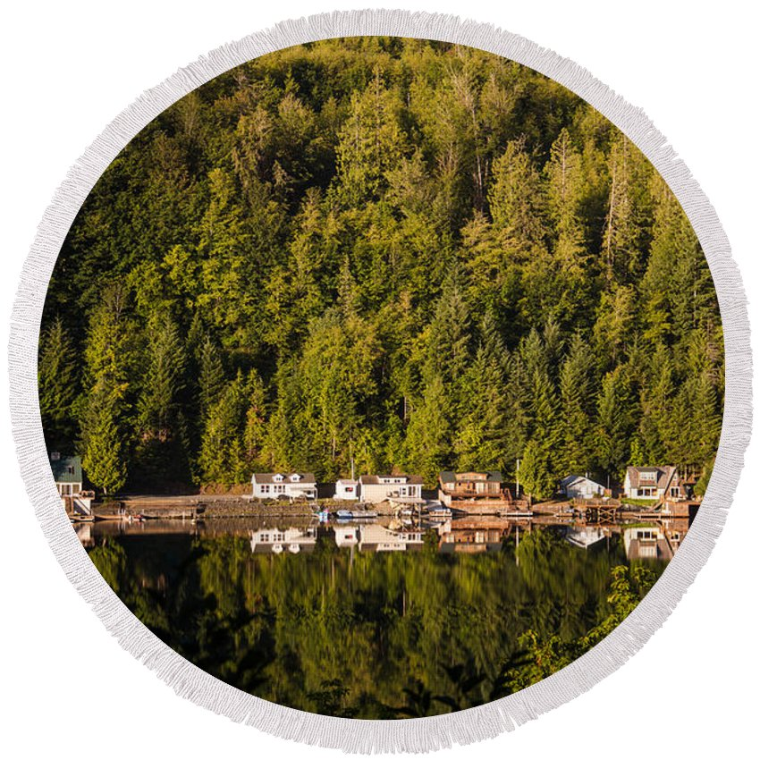Snug Harbour Round Beach Towel featuring the photograph Reflections Of Snug Harbor, Wa by Ralf Kaiser