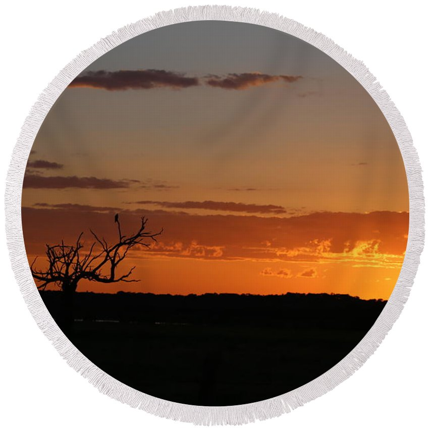 Round Beach Towel featuring the photograph Relaxing Sun by Jeff Downs