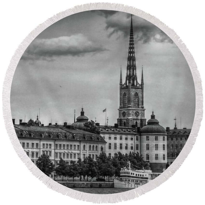 Sweden Round Beach Towel featuring the photograph Riddarholmen Black And White by Hanny Heim