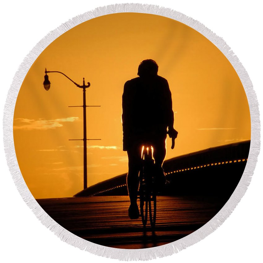 Bicycle Round Beach Towel featuring the photograph Riding At Sunset by David Lee Thompson