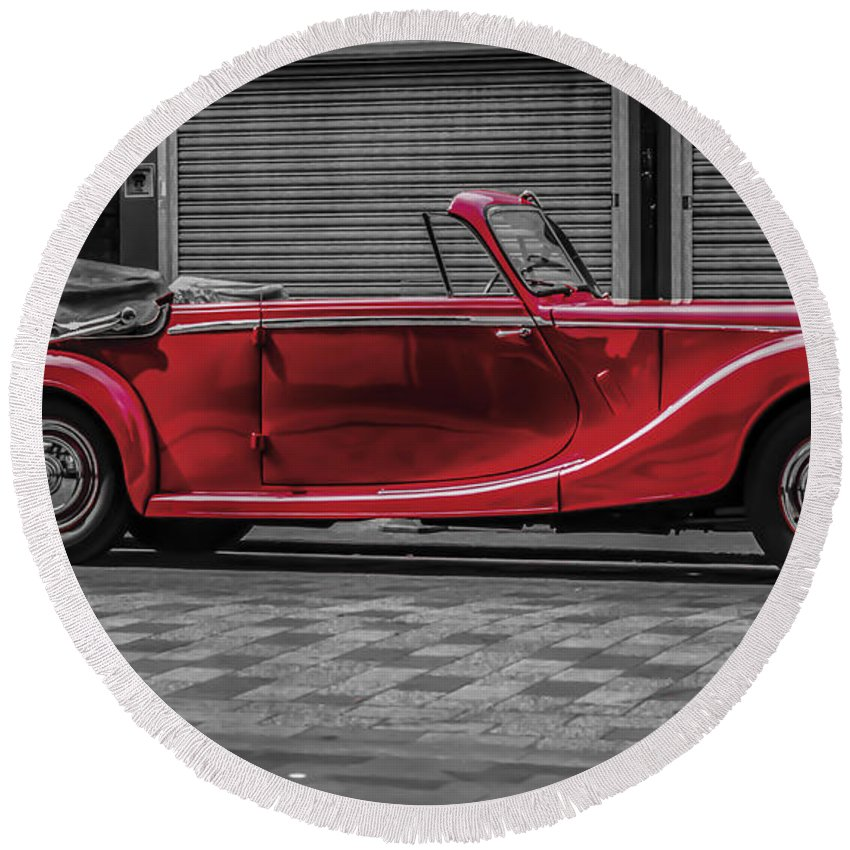 Riley Rmd Drophead Coupe Round Beach Towel featuring the photograph Riley Rmd 1950 Drophead Coupe by Claire Doherty