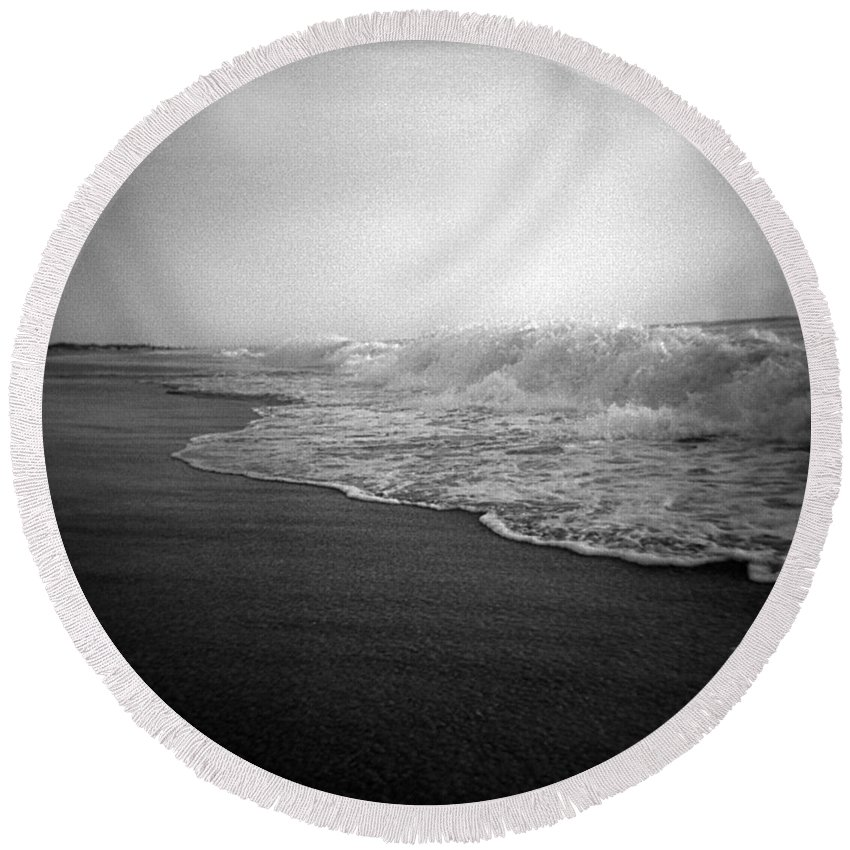 Ocean Round Beach Towel featuring the photograph Ripple Effect by Jean Macaluso